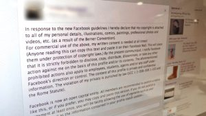 Facebook false status